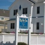 By the Sea Guests Bed & Breakfast & Suites